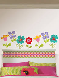 Colorful Flowers Wall Decor In Kids Room Home Interior Design - Flower designs for bedroom walls