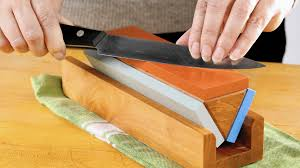 how to sharpen and hone your knives to get ready for holiday