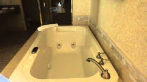 hotel room tour the sunset station u0027s king suite u0027s jacuzzi bath