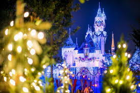 When Do Halloween Decorations Go Up At Disneyland Ultimate 2017 Disneyland Christmas Guide Disney Tourist Blog