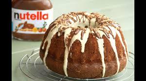 bizcocho bundt cake de nutella con cobertura de chocolate blanco