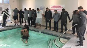 baptism pool philadelphia eagles johnson baptized in hotel pool with