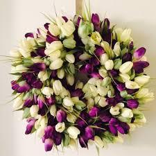how to make pretty tulip door wreaths