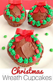 quick and easy christmas wreath cupcakes