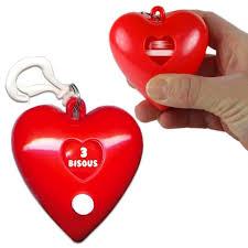 jeux de bisou au bureau gadget rigolo porte clé jeu des bisous à 3 90