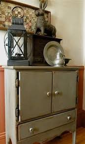 i love how narrow this hutch is it would work great in a small