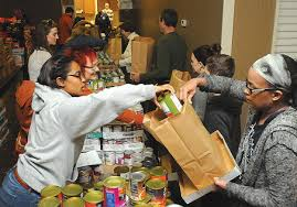 hundreds come out for thanksgiving dinner at union mission in