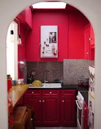 mur cuisine framboise peinture plafond cuisine trendy peinture murale with peinture