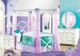 hannah montana bedroom rooms to go teams up with hannah montana