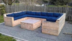 canapé de jardin en palette mobilier en palettes en 81 idées très intéressantes table basse