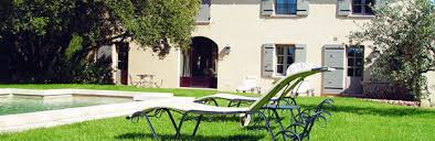 chambre d hote meyreuil gîtes et chambres d hôtes hôtellerie et restauration tourisme