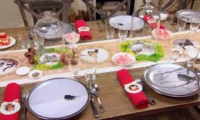 Christmas Table Decoration Martha Stewart by Video Tips For Outdoor Holiday Decor Martha Stewart