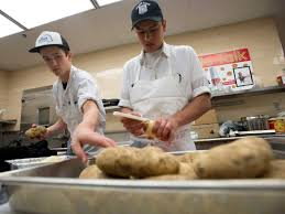 u chef prep culinary students team up to cook thanksgiving dinner