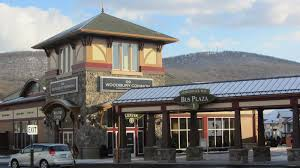woodbury common outlets in nyc the ultimate shopping experience