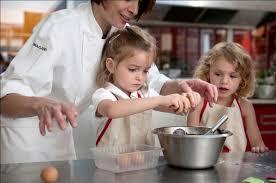 cours de cuisine en famille cours de cuisine en famille à l atelier des chefs à garantie