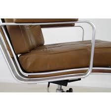 fauteuil de bureau marron chaise de bureau mondo joc en cuir marron jan ekselius 1970