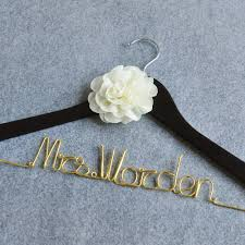 online get cheap wire wedding hangers aliexpress com alibaba group free shipping personalized wedding hanger custom color wire hanger bride bridesmaid dress hanger w flower bridal shower gift