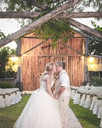 Wedding Venues In San Antonio Tx Karina Franco Wedding Photography Wedding Day Romantics At Rancho