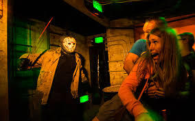 when halloween horror nights 2015 universal orlando close up bloody disgusting reviews halloween