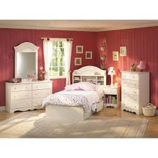 Idesign Furniture by Bedroom Furniture And Bedrooms On Pinterest Idolza