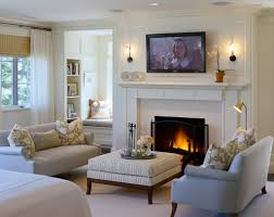 how to decorate a small living room with a fireplace small living