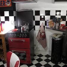 relooker credence cuisine adhésif carrelage sur carreaux crédence cuisine noir et blanc