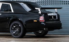 roll royce future car rolls royce u0027s future suv will go on sale in 2018 says report