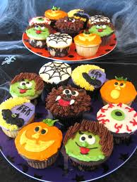 scarecrow cupcakes shredded wheat cereal scarecrow face and gum
