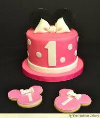 minnie mouse birthday cake minnie birthday cake cookies the hudson cakery