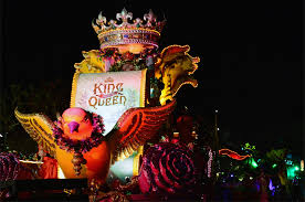 mardi gra floats get the low on universal orlando s mardi gras floats kingdom