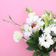 fresh flowers keeping it bright with fresh flowers bloom2bloom