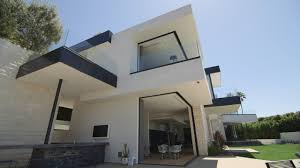 Leonardo Dicaprio Home by Why A 32 Million Hollywood Mansion Hasn U0027t Sold