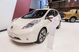 madrid to get world u0027s largest electric taxi fleet of nissan leafs