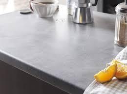 comment choisir un plan de travail cuisine revetement plan de travail cuisine a coller avec revetement plan