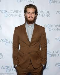 andrew garfield lacks specs appeal with overgrown beard at