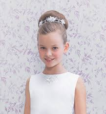 flower girl hairstyles uk communion tiara hairstyles 12 ways for a little girl to wear a