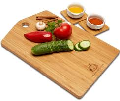 amazon com kitchen art bamboo cutting board 4 coasters included amazon com kitchen art bamboo cutting board 4 coasters included easy to clean butcher block eco friendly construction absolute serving set large