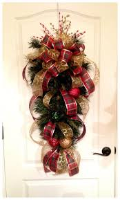 best 25 christmas swags ideas on pinterest outdoor christmas
