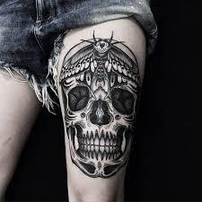 gorgeous skull on thigh blurmark