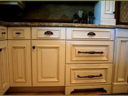 kitchen cabinet hardware ideas photos kitchen cabinet hardware ideas pulls or knobs glancewheels com