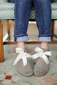 ribbon shoelaces diy ribbon shoe laces by erin sewbon project weaving