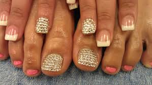 diamonds on toenails beautify themselves with sweet nails