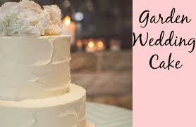 wedding cake buttercream cake trend diy rustic buttercream fresh flowers cake style