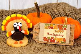 make thanksgiving with these free printable stickers