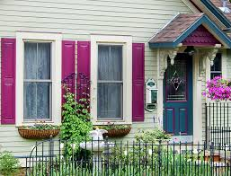 paint accents to spice up the exterior of your home