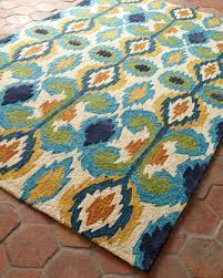 Ikat Indoor Outdoor Rug Leanne Ikat Rug Horchow Sunporch Rugs Pillows And Poofs
