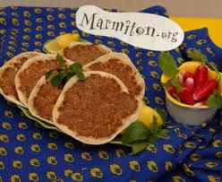 cuisine armenienne lahmajin pizza arménienne à la viande recette de