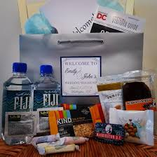 wedding hotel gift bags do s and don ts for wedding welcome bags by welcome to my wedding