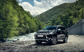 mitsubishi pajero sport 2017 download wallpapers mitsubishi pajero sport 2017 off road