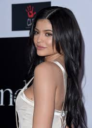 parting hair when braiding a ball kylie jenner long side part kylie jenner hair looks stylebistro